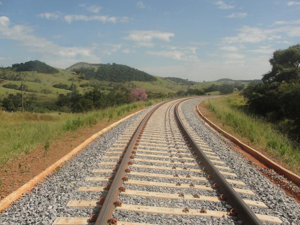 Quando as ferrovias foram esquecidas no Brasil?