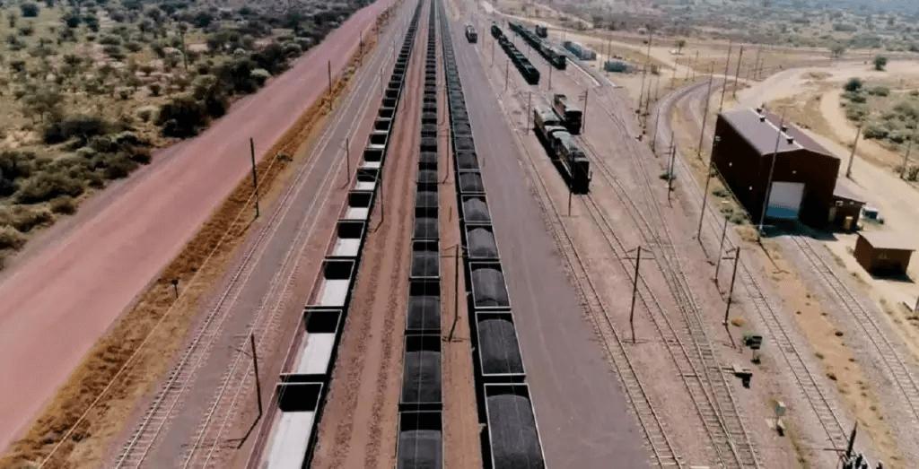 Como funciona o carregamento do trem cargueiro?